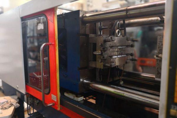 Inyeccion-de-plastico-768x576